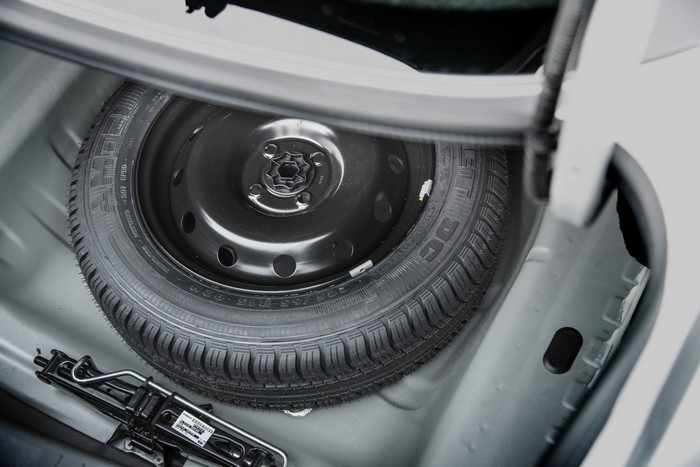 Nissan Almera запаска