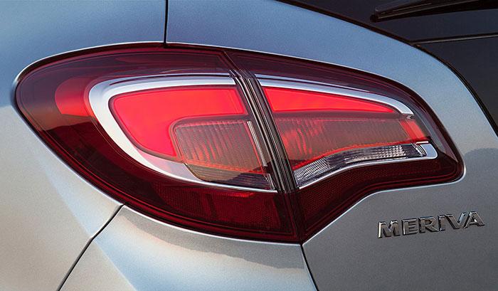Opel Meriva 2014 задняя оптика