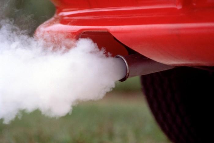 Автомобиль наносит вред экологии