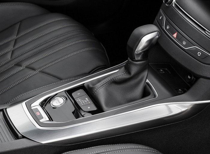 Peugeot-308 SW 2014 салон
